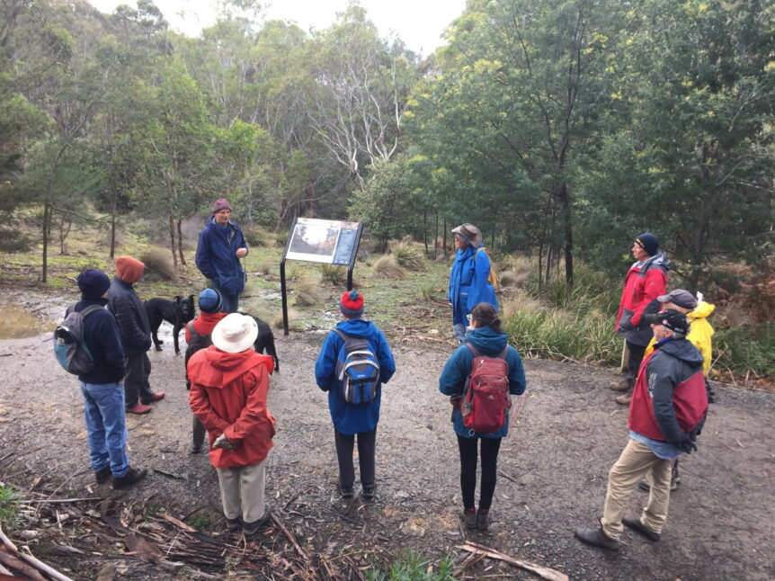 Professor Bowman telling FoKL Members about early fire ecology in the Reserve